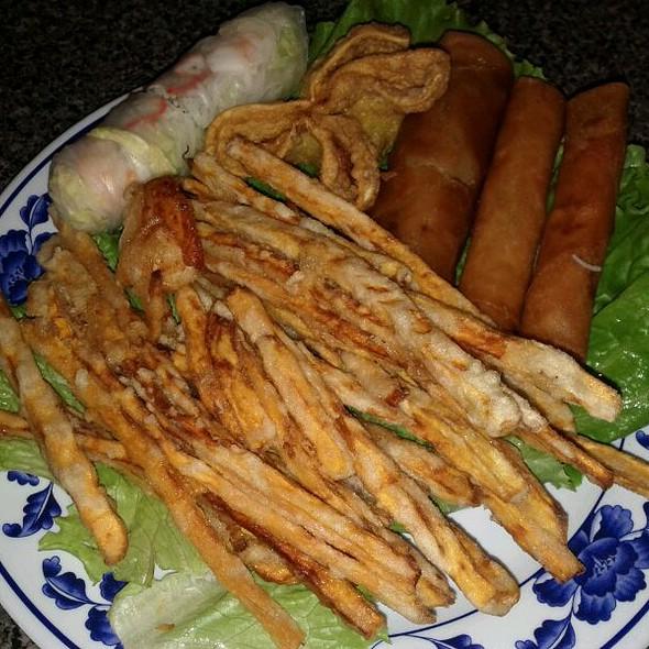 Sampler Platter @ Vietnam cafe The