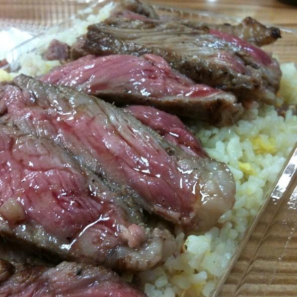 Pupu Steak @ Shirokiya Yataimura