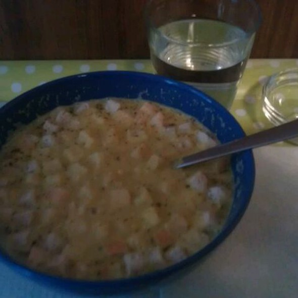 Sweet corn cream soup w/croutons @ Gorilla Vega Büfé
