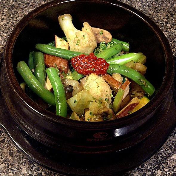 Marinated Bean Curd, Vegetables & Brown Rice Clay Pot @ (a)(u)(d)'(s)