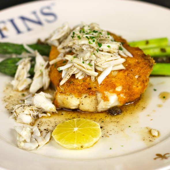 Parmesan Crusted Flounder with Jumbo Lump crab, Meyer lemon, asparagus, crispy capers, brown butter    @ GW Fins