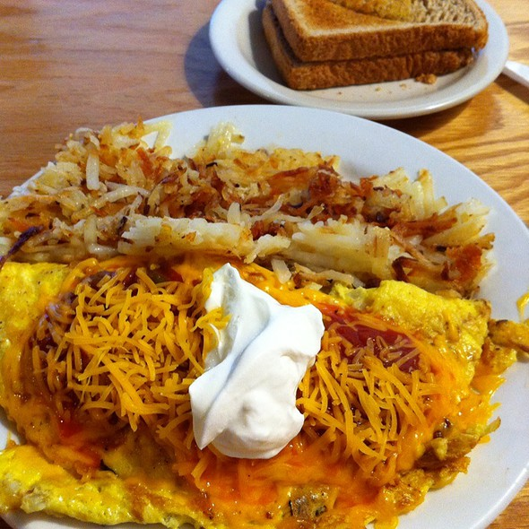 Southern Omelet @ The Pig Cafe
