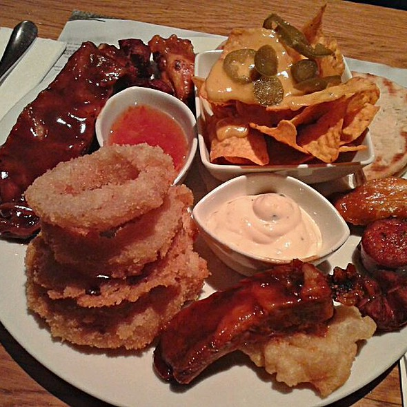 Molly's Monster Platter @ Molly Malone's
