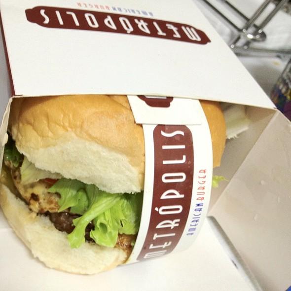Super Metrópolis @ Metrópolis American Burger