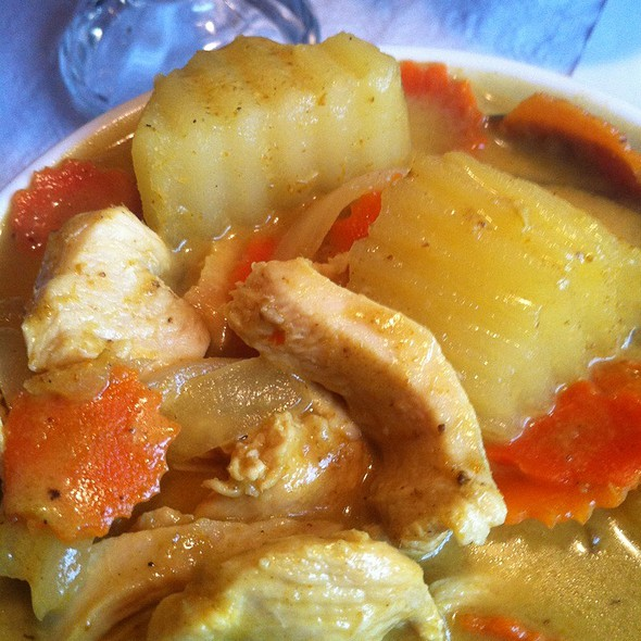 แกงกะหรี่ไก่ | Yellow Curry Chicken @ Thai Satay