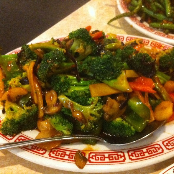 Broccoli In Tangy Sauce @ Wan Lung Restaurant