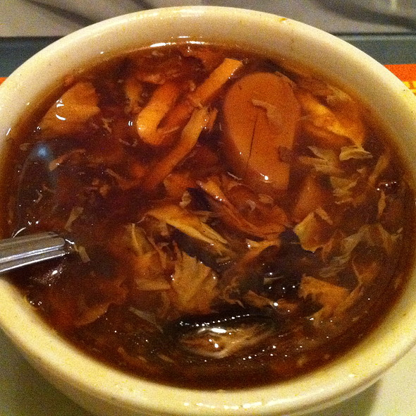 Hot and Sour Soup @ Lucky Dragon