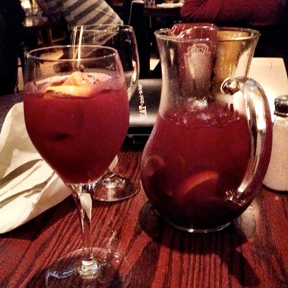 Red Sangria @ Bar Louie