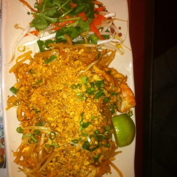 """Pad Thai"" @ Pho Dang Vietnamese Cafe"