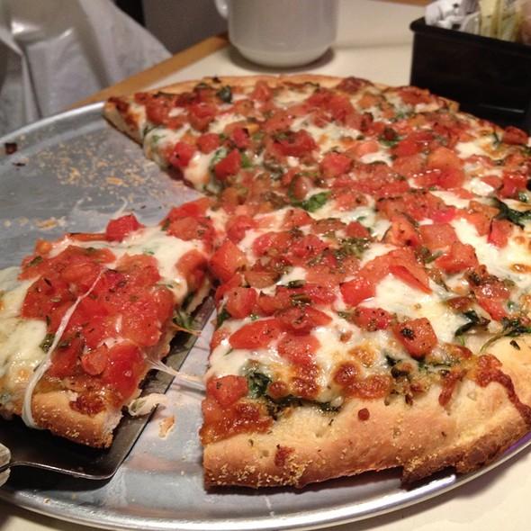 Pizza @ Zachary's Chicago Pizza