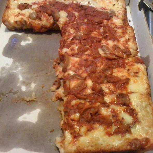 Pepperoni and Mushroom Pizza @ Loui's Pizza