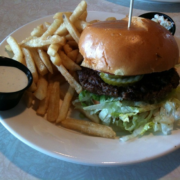 Hamburger @ Home Town Diner