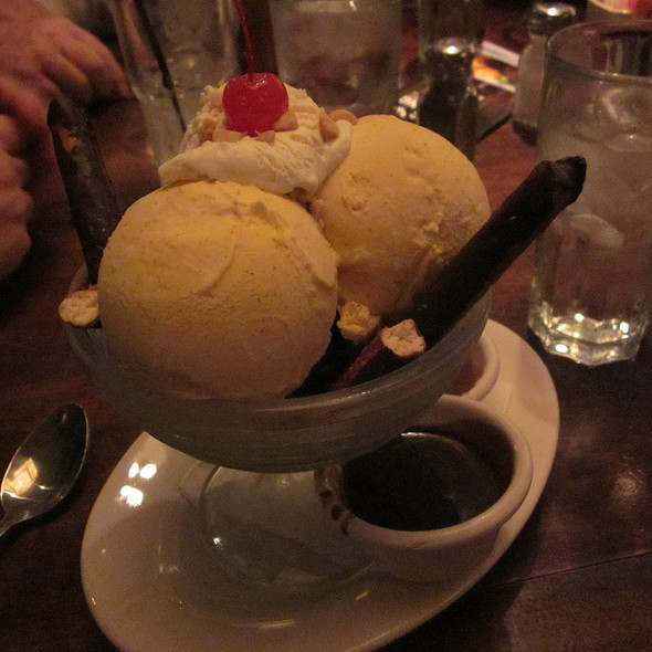 Ice Cream Sundae @ Wildfire