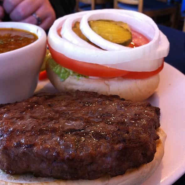 Hamburger @ James Bay Tearoom & Restaurant