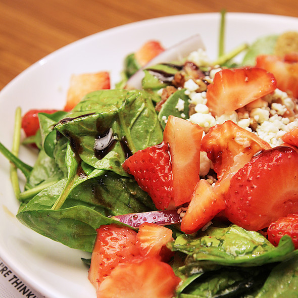 Baby Spinach & Strawberry Salad @ Noodles and Company