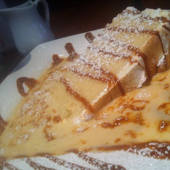 quatro leches @ La Duni Latin Cafe