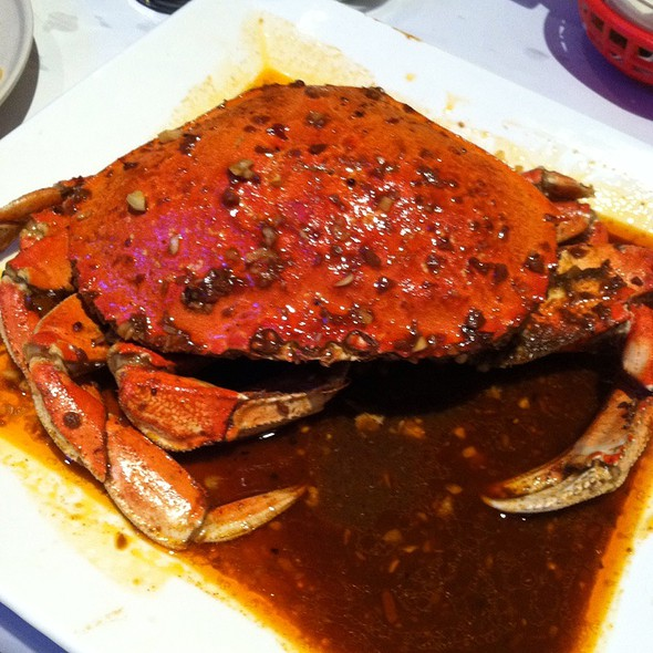 Dungeness Crab | Medium | Red Crawfish Original Seasoning @ Red Crawfish