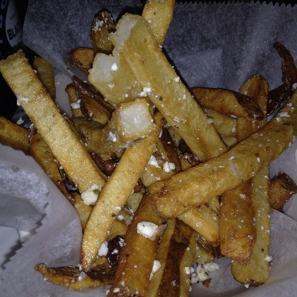 Greek Fries @ Aroma 31