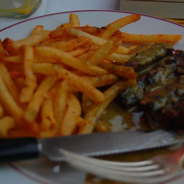 Steak-Frites @ Relais de l'Entrecôte