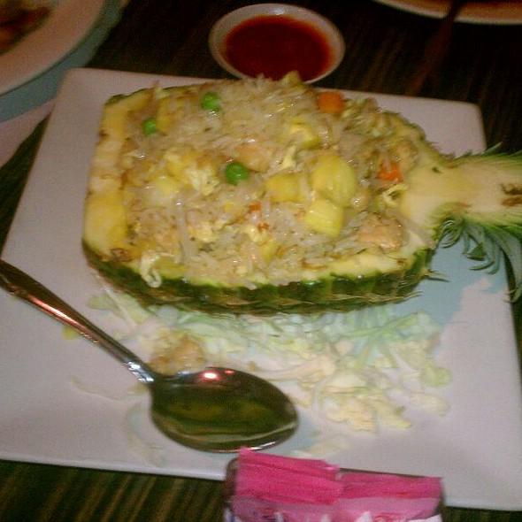 Pineapple Chicken Fried Rice @ China Wok