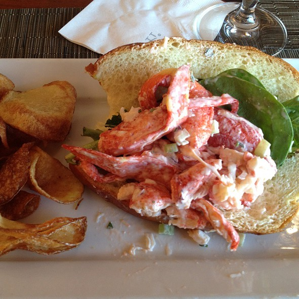 Lobster Roll (Sandwich) @ Zephyr On The Charles