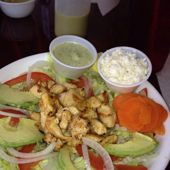 Salad Bowl @ Tacos Y Tortas Adrian