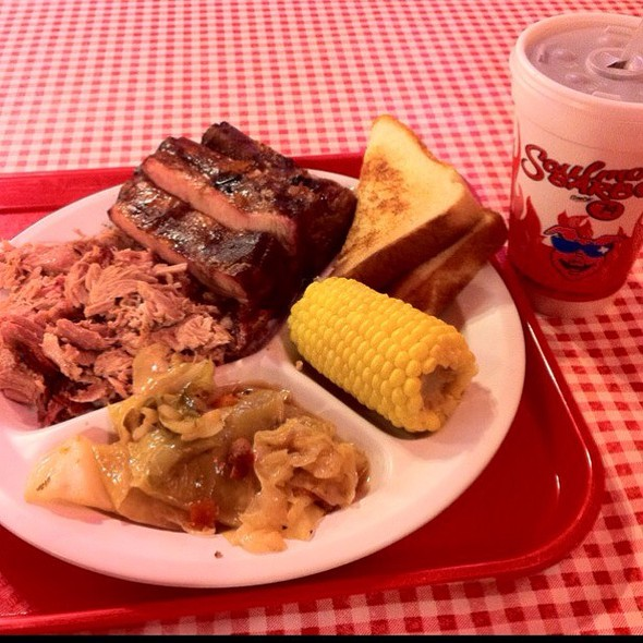Two Meat Plate W/ Ribs & Pulled Pork @ Soulman's Bar B Que