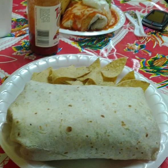Pollo Burrito @ Tacomiendo