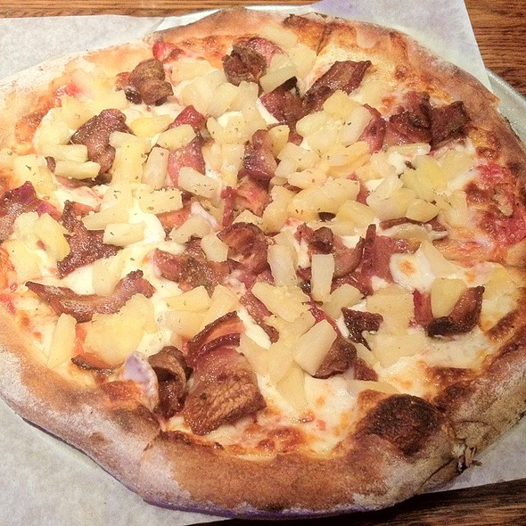 Country Hawaiian @ Casanova Pizzeria