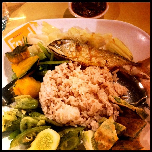 """ข้าวน้ำพริกลงเรือ"" Rice With Chilli ,Vegetable , Mackerel @ The Mall Bangkapi Food Court"