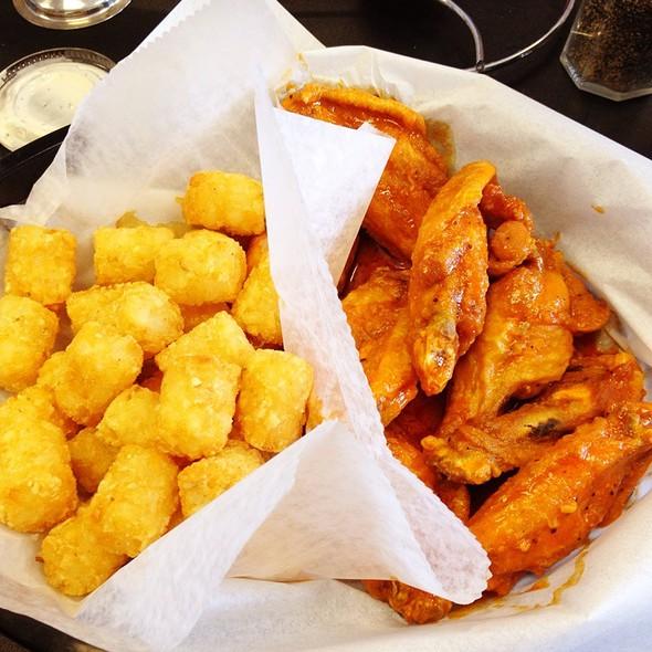 Hot Garlic Pepper Wings @ Rocky Mountain Wingshak