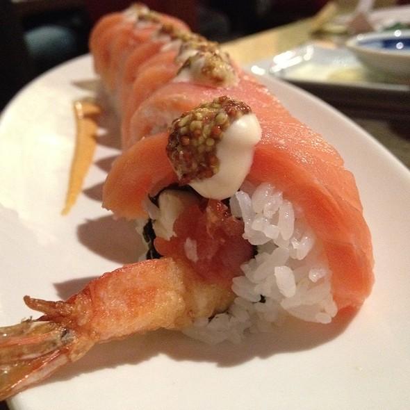 Blue Ocean Roll @ Hana Sushi