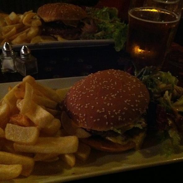 Hamburger @ Bière Academy