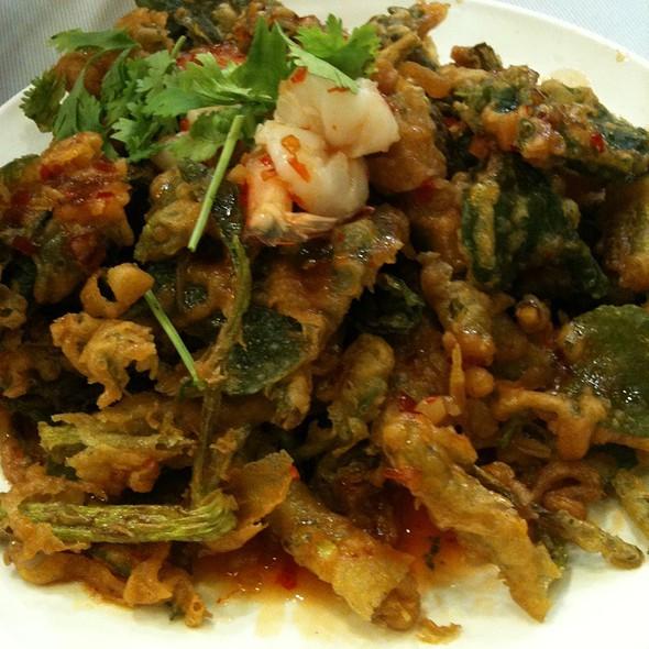 Salad Spicy Fried Vegetebles @ Yum Sap
