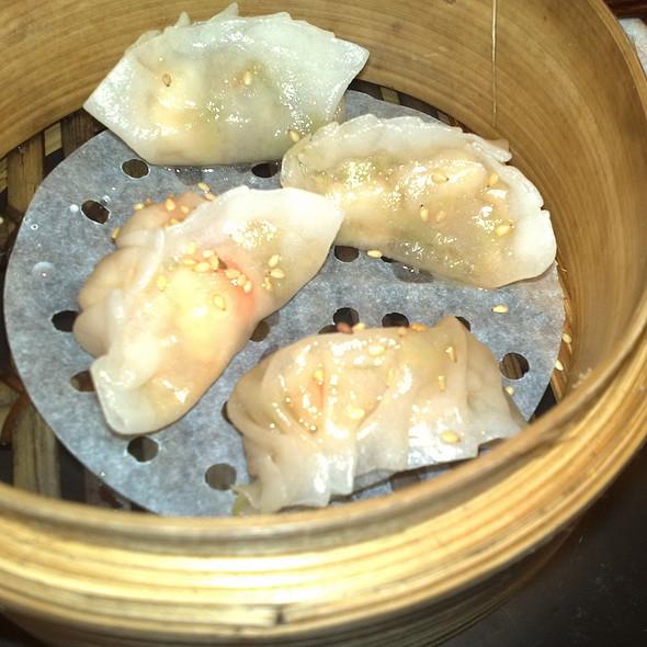 Dumplings de langostino @ Dos Palillos