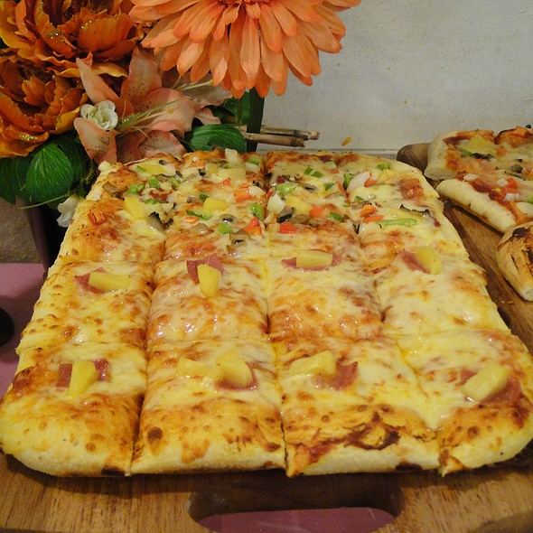 Pizza, Pasta & Salad Buffet @ Chef d' Angelo