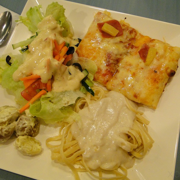 Pizza, Pasta and Salad Buffet @ Chef d' Angelo