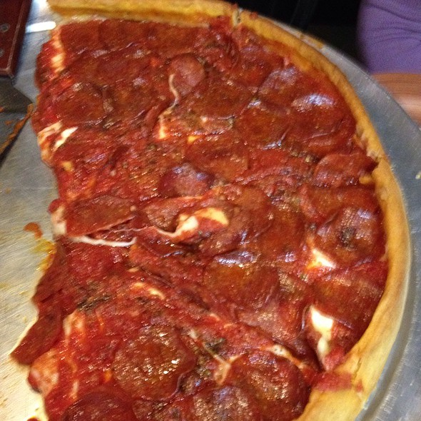 Deep Dish Pizza @ The Pizza Hub