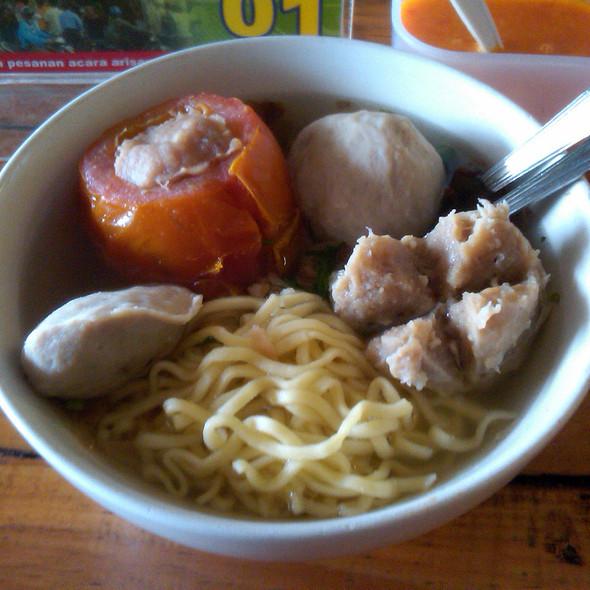 Baso Tomat, Daging, Urat & Gepeng @ Baso Moncrot