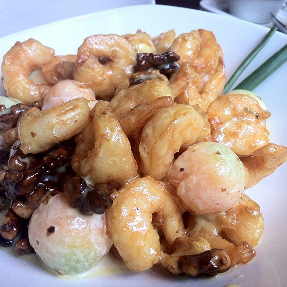 Shrimps With Candied Walnuts @ PF Chang's Reforma 222