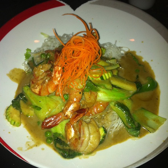 Noodle Shrimp Green Curry @ SEA Vegas : The Thai Experience