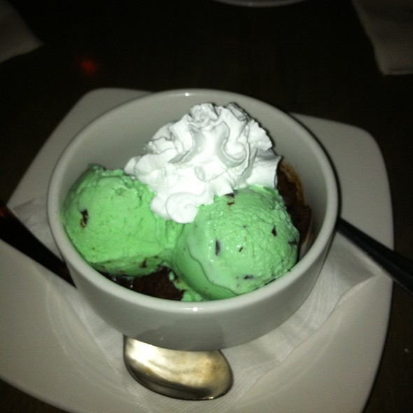 Homemade Warm Brownie With Hudsonville Mint Chip Ice Cream @ Metropolitan Cafe Shelby Twp Mi