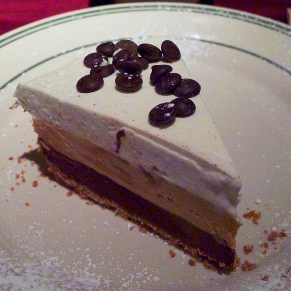 Chocolate Peanut Butter Cream Pie @ L Woods