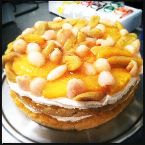 Pineapple Upside Down Cake @ Maimonide Of Brooklyn - M.O.B USA Inc