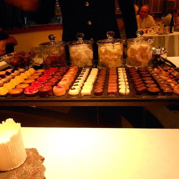 Chocolate Pralines @ LE CHAMBARD