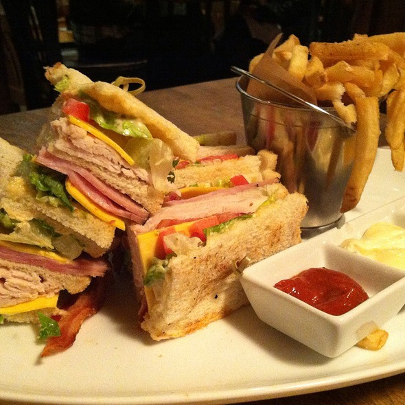Classic Club Sandwich @ House of Blues New Orleans