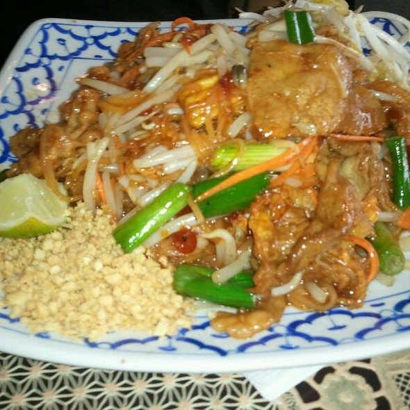 Pad Thai @ Thai Bar-B-Q