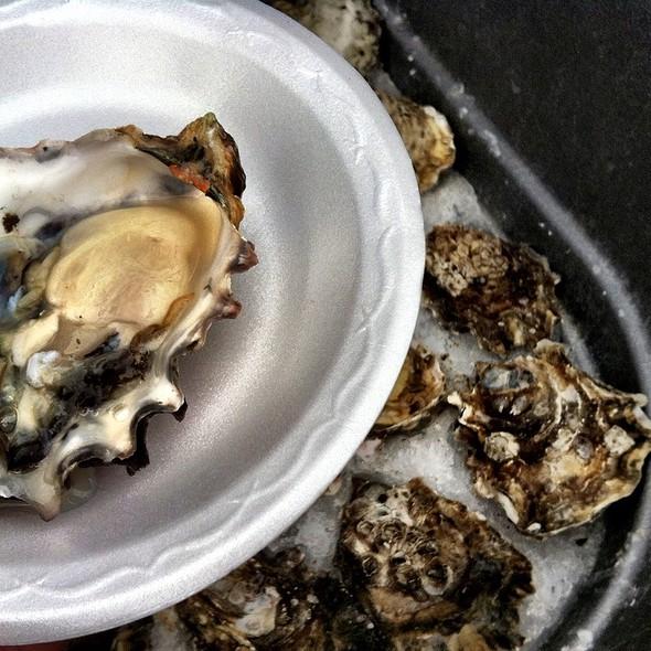 Totten Rock Oysters @ Leucadia Farmers Market