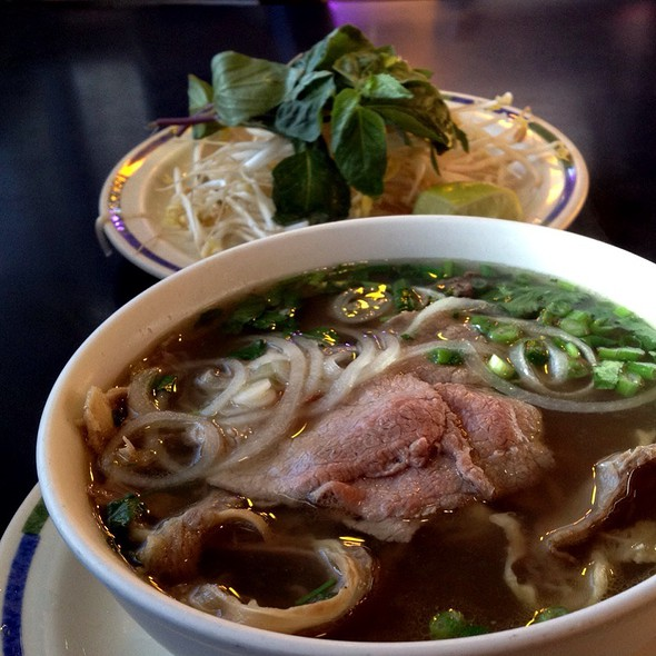 B5 Pho @ What The Pho