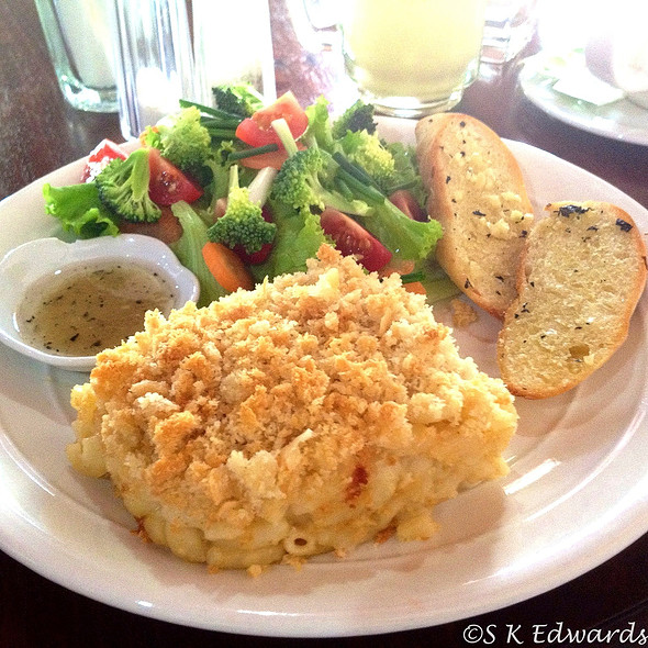 Baked Macaroni and Cheese @ Arthouse Cafe